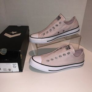Converse Low Top Light Pink Sz 8